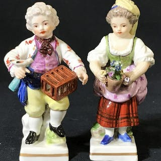 Pair Vintage Porcelain Colonial Merchant Figurines