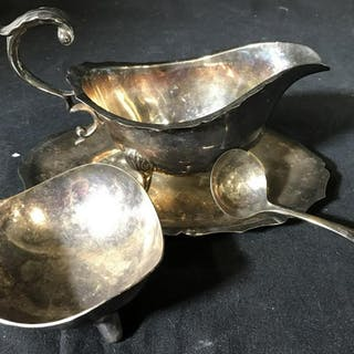Lot 4 EPNS English Gravy Set & Silver Plated Dish