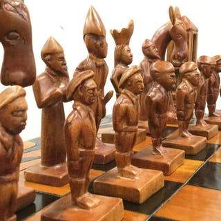 Lot 33 Coffee Table Oversize Chess Set