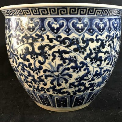 Chinese Blue White Ceramic Planter