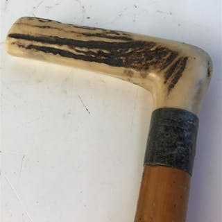 Vintage wooden and horn walking cane Horn could