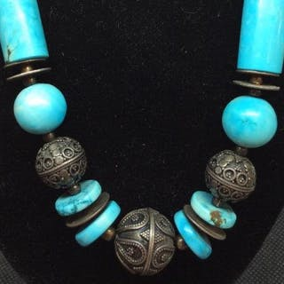 Blue Natural Stone And Metal Necklace