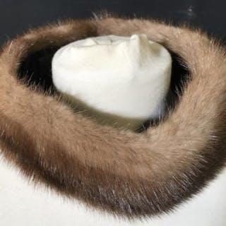 Luxury Vintage VINCENT & BILL Fur Neck Wrap