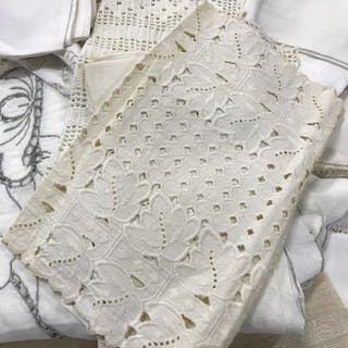 Large Assortment Of Vintage Table Linens
