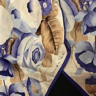 OSCAR DE LA RENTA Vintage Floral Silk Scarf
