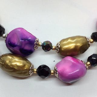 Statement Necklace W Magenta & Gold Beads