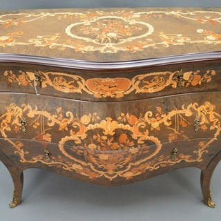 Italian inlay serpentine 3 drawer dresser, gilt metal