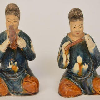 """2 Chinese Early Pottery Figures. Size 6"""" Condition good"""