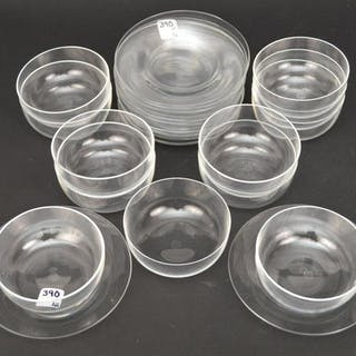 12 BACCARAT CRYSTAL BOWLS & UNDERPLATES.  Condition: no