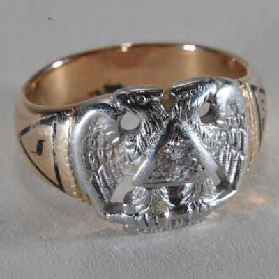 Masonic ring  32 degree  Platinum, 14k yellow gold, and   Barnebys