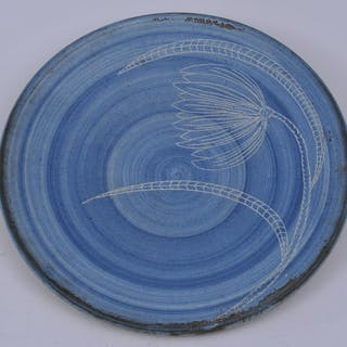 Large Dorchester Pottery round dish. Palm tree