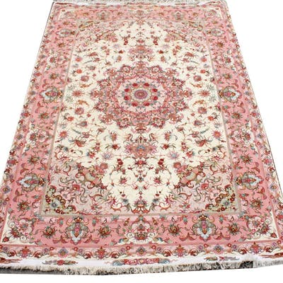"Persian Pink Floral Carpet 6' 8"" x 9' 11"""