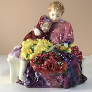 ROYAL DOULTON FIGURINE HN1342 FLOWER SELLERS CHILDREN