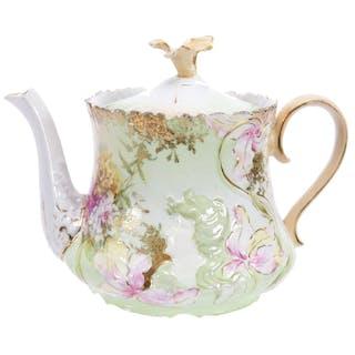 "Tea Pot, Unmarked R.S. Prussia 5.25"" X 7"""