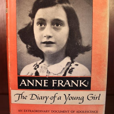 Anne Frank: The Diary of a Young Girl Anne Frank