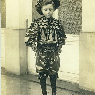 France Costume Boy Playing Diabolo Player Children Game...