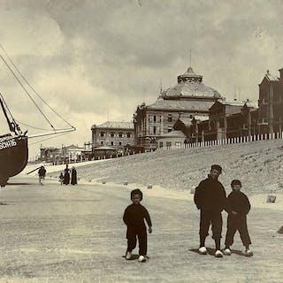 Netherlands Scheveningen Children in Clogs old photo 1900 Anonymous Cities