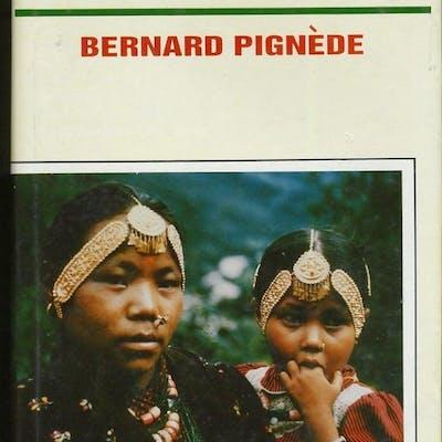 THE GURUNGS: A HIMALAYAN PEOPLE OF NEPAL Pignede, Bernard