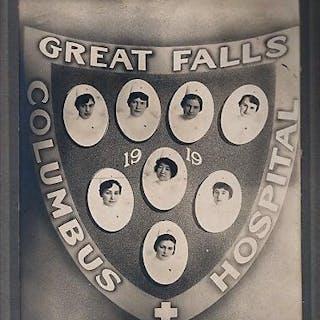 ORIGINAL PHOTOGRAPH OF THE NURSING CLASS OF 1919