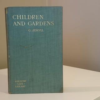 Children and Gardens Jekyll. Gertrude, BH