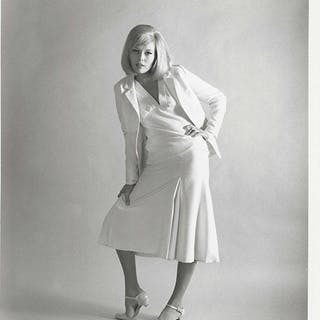 FAYE DUNAWAY / BONNIE AND CLYDE (1967) by Richard Avedon