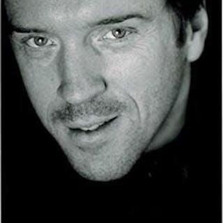 Photograph of Damian Lewis. Signed. Lewis, Damian (born 1971) Cinema