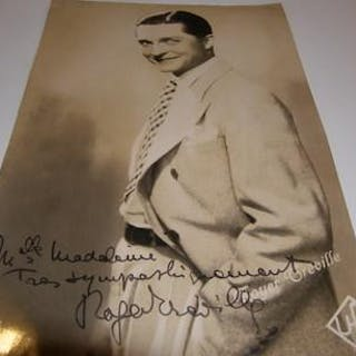 Photo autographed by Roger Greville
