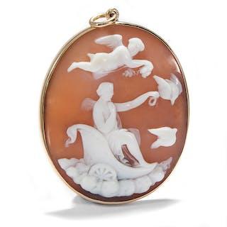Antike Muschelgemme in Goldfassung als Anhänger, um 1860