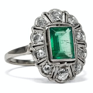 Wunderbarer Art Déco Ring mit Smaragd & Diamanten, Weißgold und Platin um 1925