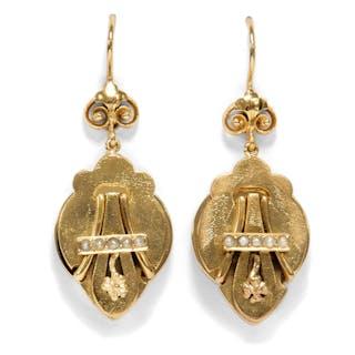 Antikes Paar Ohrhänger des Realismus in Gold & Perlen, um 1870