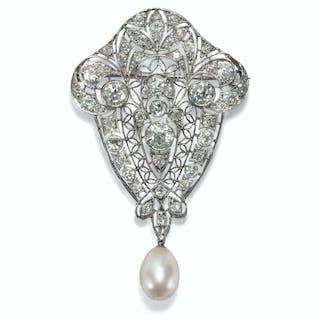 Wundervolle Platin-Brosche mit Naturperle & Diamanten, um 1910
