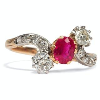 Hochfeiner Trilogie-Ring mit unbehandeltem Rubin & Diamanten, um 1910