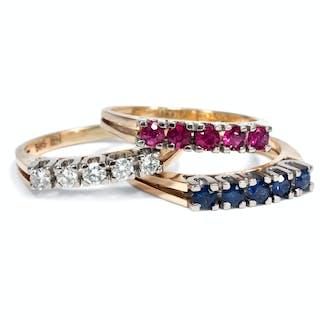 Elegantes Set von drei Vintage-Ringen mit Diamanten, Rubinen und Saphiren