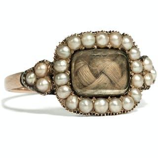 Antiker Perlen-Ring mit Haareinlage des Biedermeier, datiert 1814