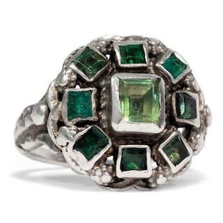 Prachtvoller Silber-Ring mit Smaragden aus dem Habachtal, um 1880