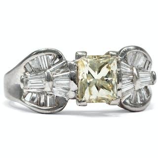 Luxuriöser vintage Platin-Ring mit seltenem gelbem 1,00 ct Diamanten, um 1970