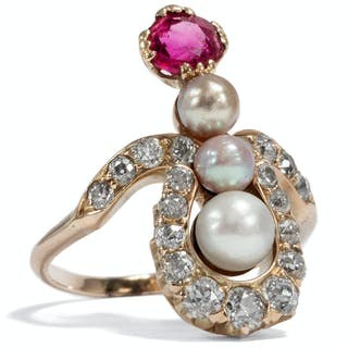 Prachtvoller Rubin-Ring mit Diamanten & Naturperlen, um 1900