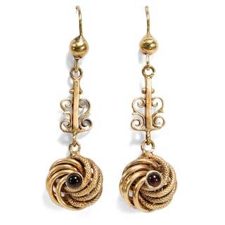 Hübsche Knoten-Ohrringe aus Gold mit Granaten, Großbritannien um 1890