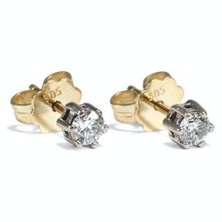 Klassische Solitär-Ohrstecker mit 0,30 ct Diamanten in Gelbgold &