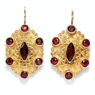 Zauberhafte vintage Ohrringe mit Granaten in Gold, um 1970