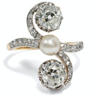 Schwungvoller Trilogie-Ring mit Diamanten & Perle, Gebr. Friedländer