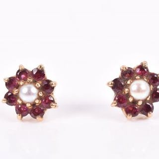 A Pair Of 9ct Yellow Gold Ruby And Pearl Cer Earrings Roximately Cur S Barnebys Co Uk