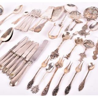 A quantity of silver, continental silver and white metal flatware