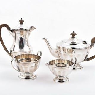 A four piece silver tea set Birmingham 1931, Henry Clifford Davis