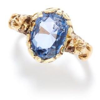 ANTIQUE CEYLON NO HEAT SAPPHIRE RING in high carat yellow gold, set