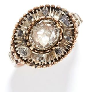 ANTIQUE DIAMOND RING, 19TH CENTURY in yellow gold, the oval face is