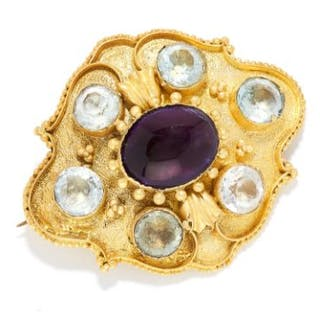 AMETHYST AND AQUAMARINE BROOCH in high carat yellow gold, set with