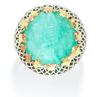 EMERALD DRESS RING in white and yellow gold, the circular carved emerald