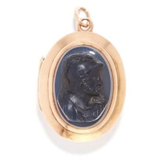 ANTIQUE AGATE CAMEO AND INTAGLIO SEAL MOURNING LOCKET / PENDANT in