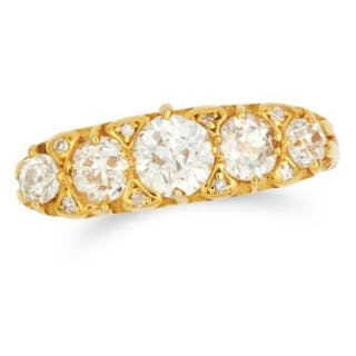 1.32 CARAT DIAMOND FIVE STONE RING set with round and old cut diamonds